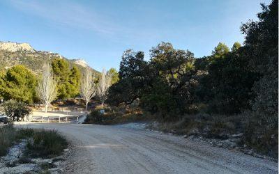 La masificación de visitantes y de coches provoca el cierre del camino de Catí a Catxuli